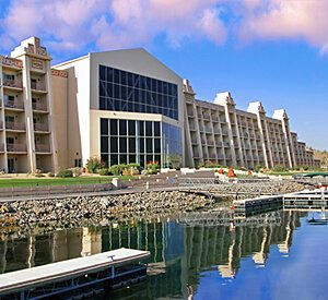 Emerald Cove Resort - Blue Water Casino